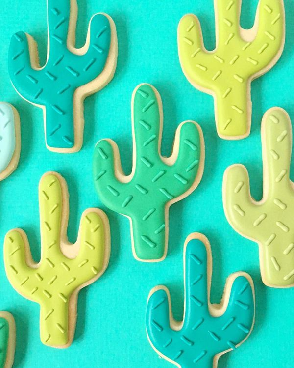 graphic-designer-makes-custom-cookies-holly-fox-design-85-572df9b72ad0e__700