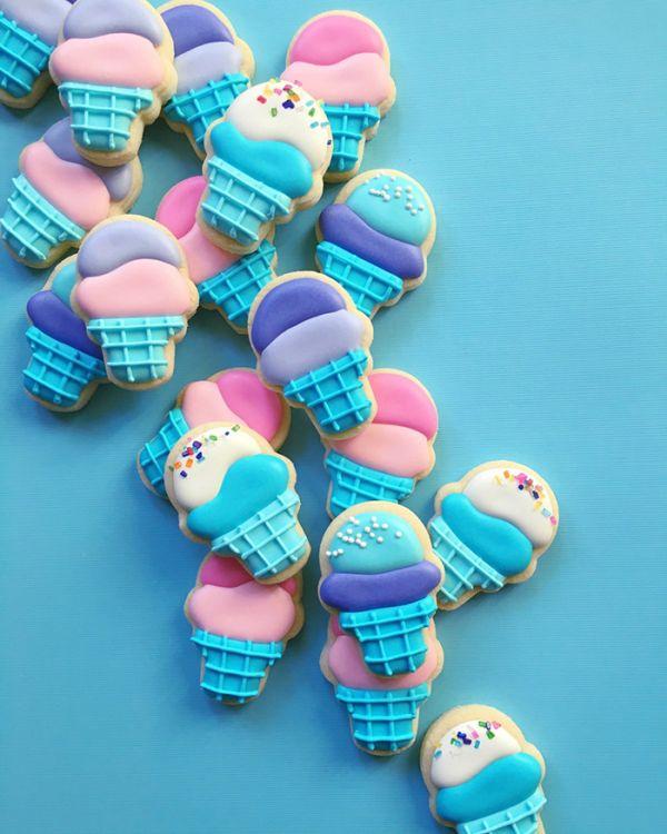 graphic-designer-makes-custom-cookies-holly-fox-design-64-572da240bbdf7__700