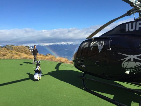 par-3-in-the-sky-helicopter-golf-queenstown-new-zealand-3