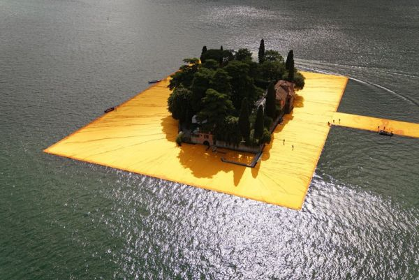 christo-and-jeanne-claude-floating-piers-lake-iseo-italy-16