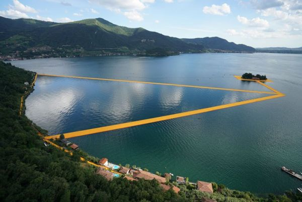 christo-and-jeanne-claude-floating-piers-lake-iseo-italy-4