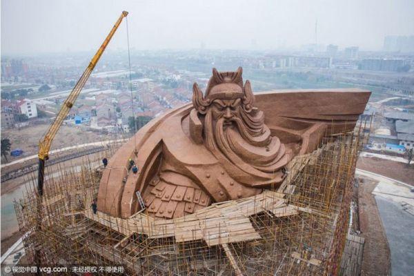 god-of-war-guan-yu-statue-jingzhou-china-1