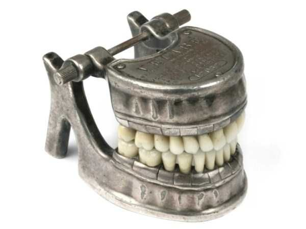 dental-equipment-from-the-past-7