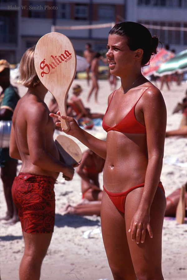 the Daily Life at the Rio Beaches in the late 1970s (18)