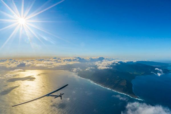 solar-impulse-plane-circumnavigates-globe-without-single-drop-of-fuel-13