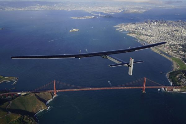 solar-impulse-plane-circumnavigates-globe-without-single-drop-of-fuel-12