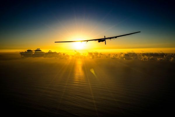 solar-impulse-plane-circumnavigates-globe-without-single-drop-of-fuel-5