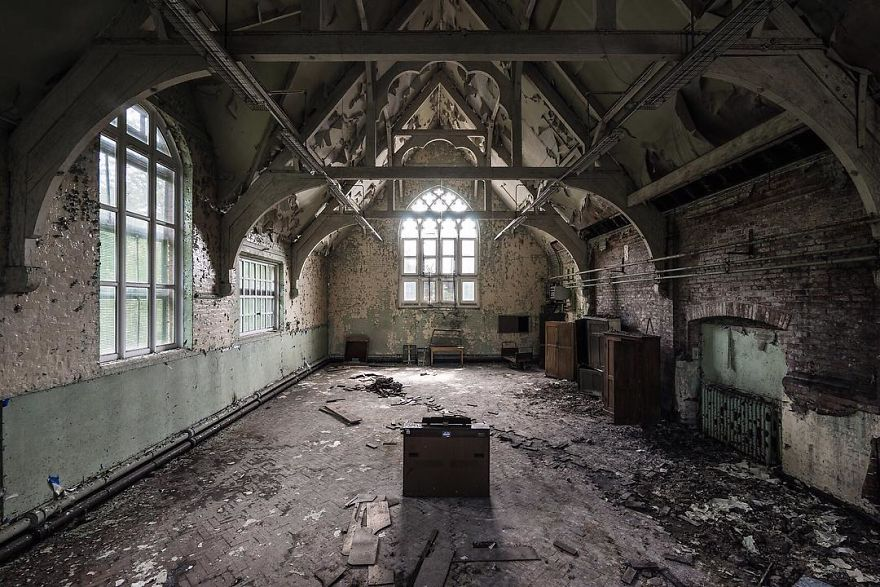an-abandoned-britain-57dfc5f2e6b5d__880