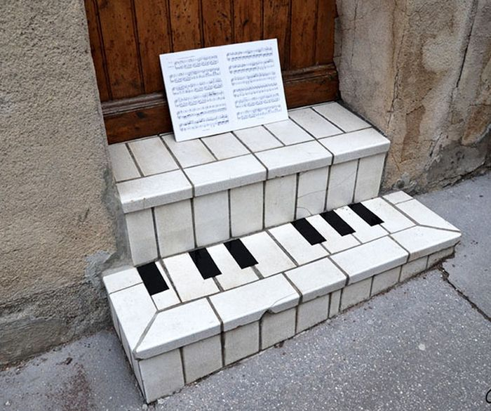 random-and-ridiculous-acts-of-vandalism-that-are-borderline-genius-14