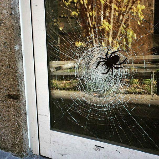 random-and-ridiculous-acts-of-vandalism-that-are-borderline-genius-31