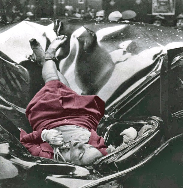 Unexplained photo of Evelyn McHale's body